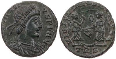 AE4 de Constancio II. VICTORIAE DD AVGG Q NN. Victorias afrontadas. Trier 5678019.m