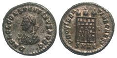 Nummus de Constantino II. PROVIDENTIAE CAESS.Puerta de campamento de 3 torres. Heraclea. 2584396.s