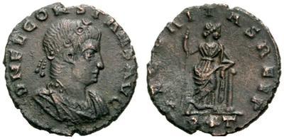 AE4 bajo imperio. SECVRITAS REIP(VB). Securitas estante de frente apoyada en columna. Roma. 787265.m