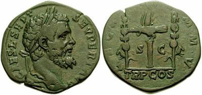 Sestercio de Septimio Severo. LEG XIIII GEM M V / TR P COS. Águila legionaria entre 2 estandartes. Roma 175159.m
