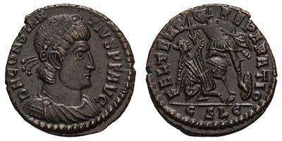 AE3 de Constancio II. FEL TEMP RE-PARATIO. Soldado romano alanceando a jinete caído. Constantinopolis. 1830509.m