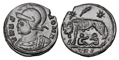 AE4 conmemorativa de Roma. VRBS ROMA. La loba capitolina con los gemelos. Trier. 4307806.m