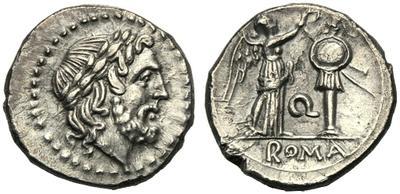 Victoriato gens Apulia. Q / ROMA. Victoria coronando trofeo. Roma. 2733258.m
