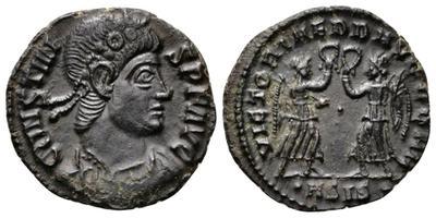 AE4 de  Constancio II o Constante. VICTORIAE DD AVG Q NN 3051760.m